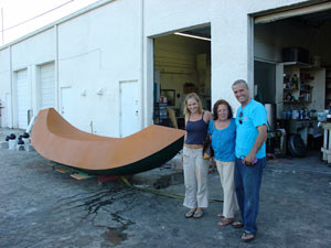 Ana Mercedes Hoyos (in the middle) at front of one of her sculptures with Robert St Croix, owner (right) and assistant Natasza Czajkowski (left)